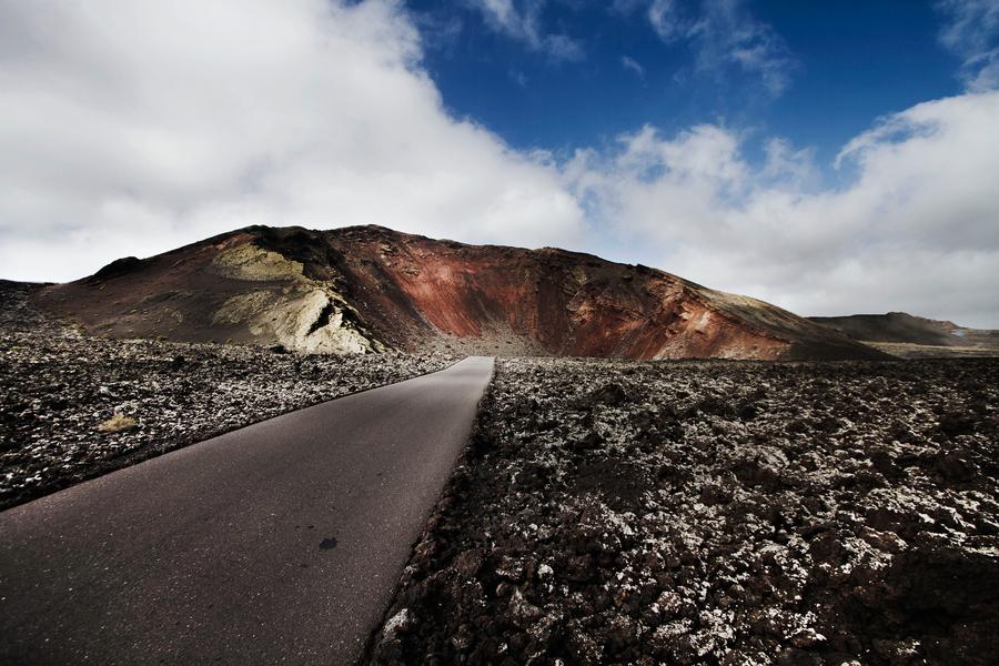 Lanzarote-Volcano.jpg