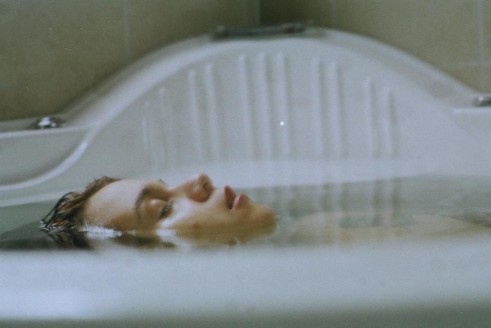 bathtub gal.png