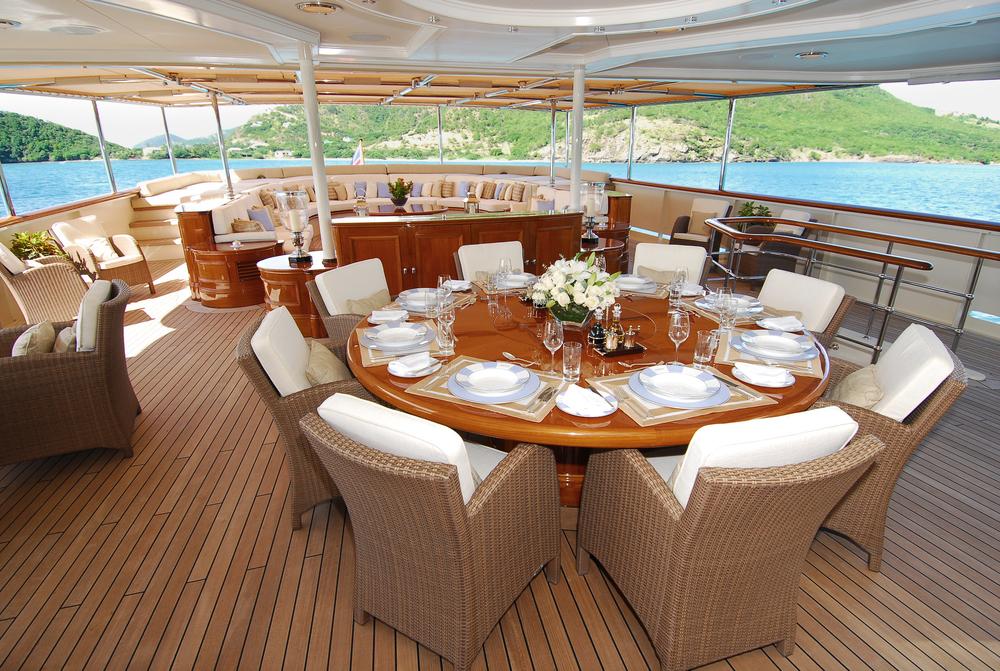 Deck+Dining.jpg