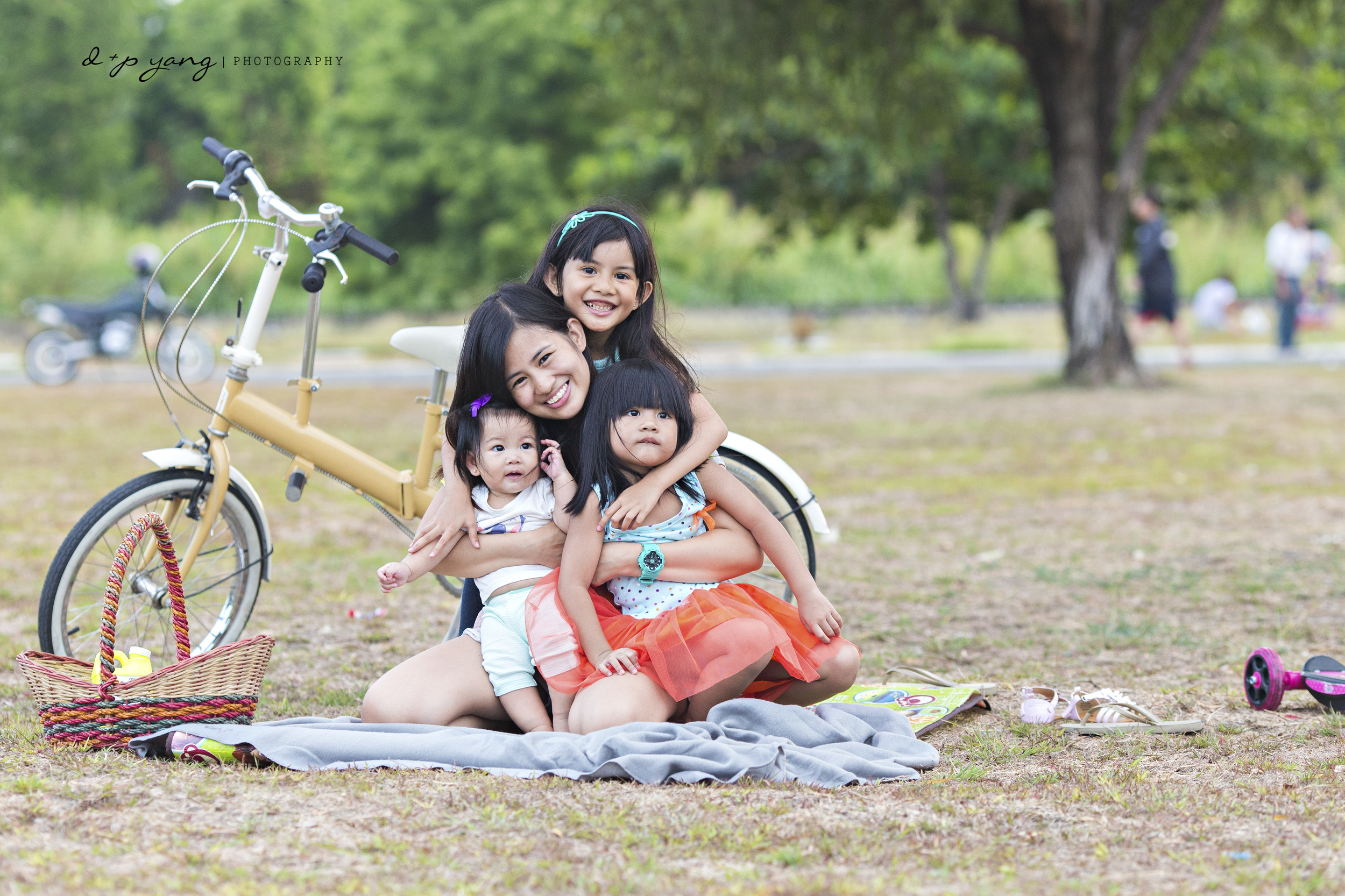 Sheila with her 3 girls.