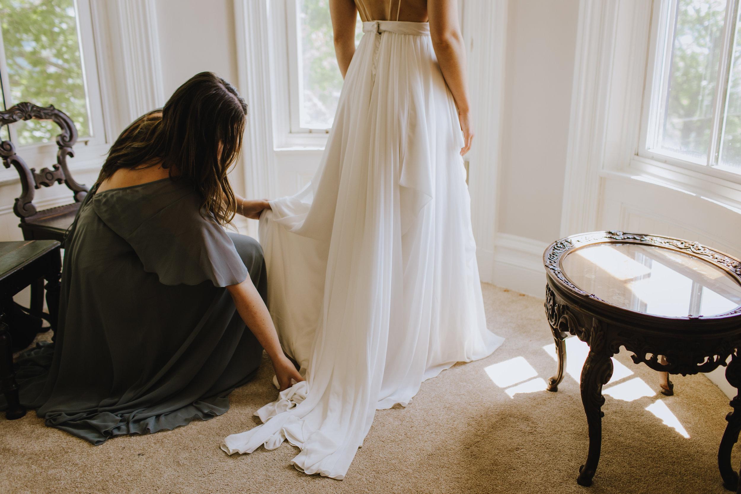 BOSCAWEN-INN-LUNENBURG-WEDDING-DAVE-AND-PRING-PHOTOGRAPHY-SOUTH-SHORE-LUNENBURG-BLUE-NOSE-WEDDING-DRESS-TRUVELLE-BRIDE