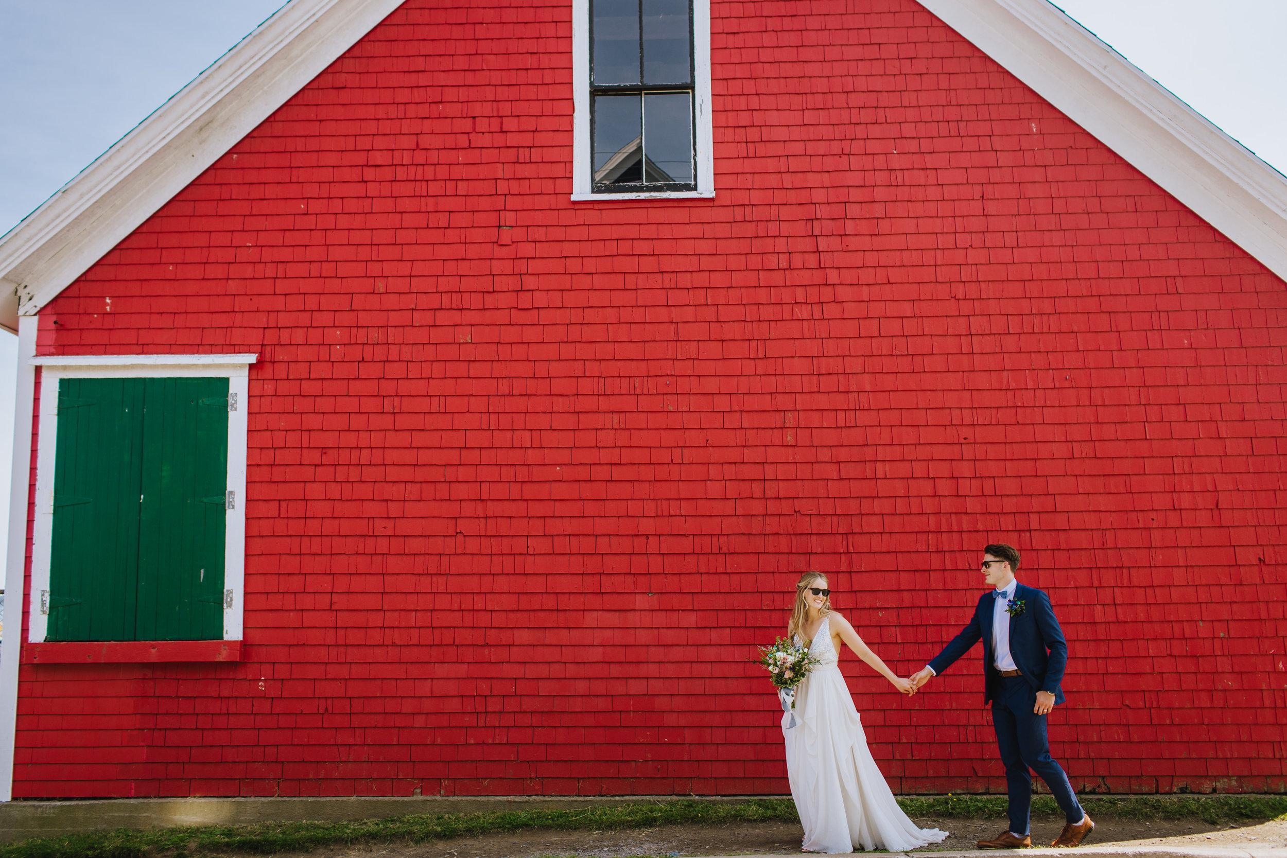 BOSCAWEN-INN-LUNENBURG-WEDDING-DAVE-AND-PRING-PHOTOGRAPHY-SOUTH-SHORE-LUNENBURG-BLUE-NOSE-BRIDE-GROOM