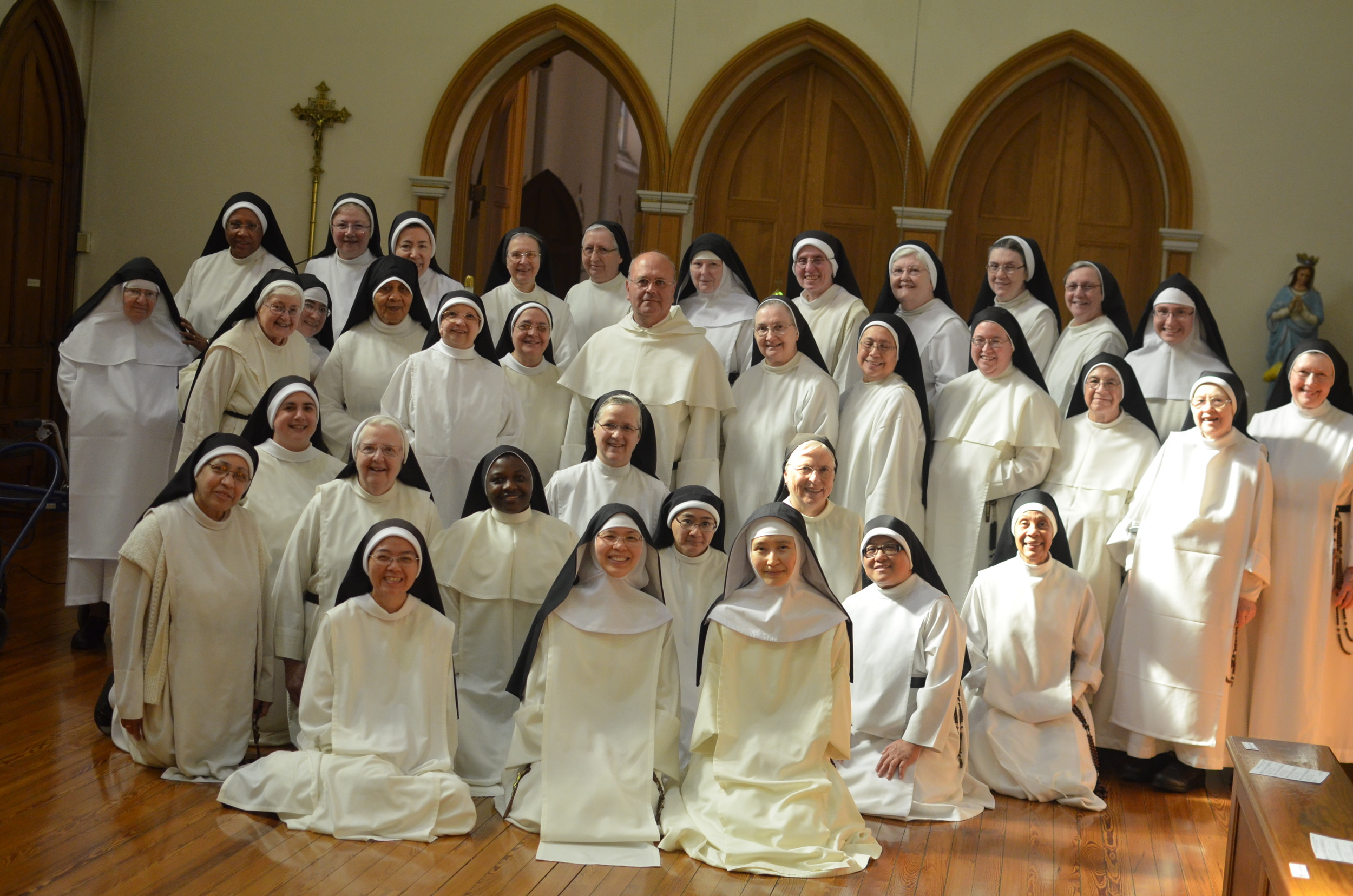 The representatives of the monasteries of the Association of Dominican Nuns of North America with our brother, Padre. Caesar Velero Bajo, OP