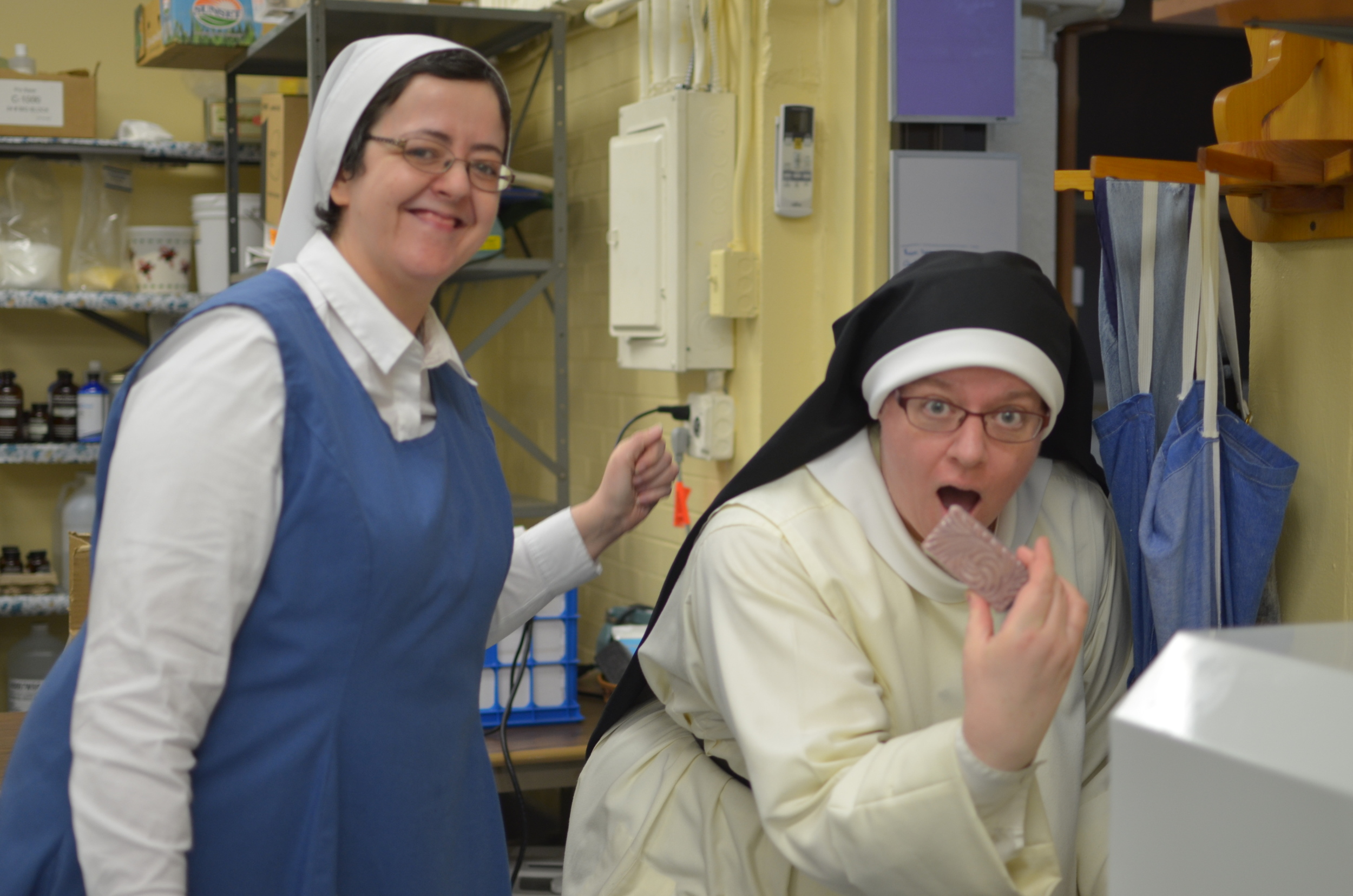 """With the help of Sr. Aisling Sr. Judith Miryam becomes """"friends"""" with """"Gertie"""" the Shrink Tunnel!"""