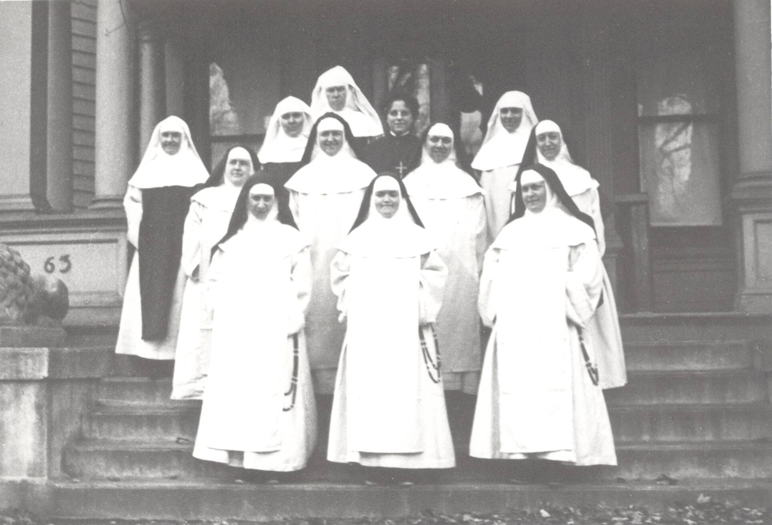 1919 Foundresses (two missing)