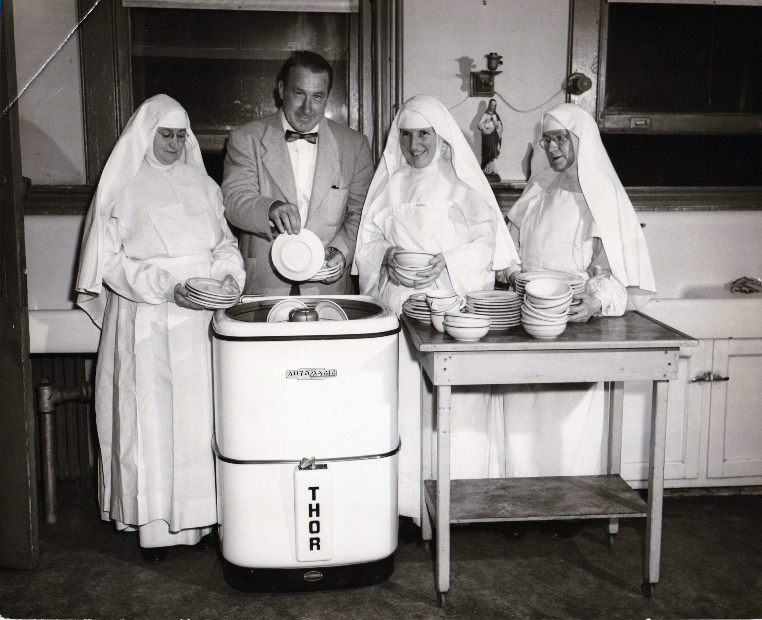 extern sisters dominican nuns dishwasher.jpg