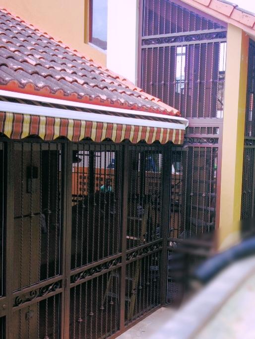 Reja ornamental patio casa