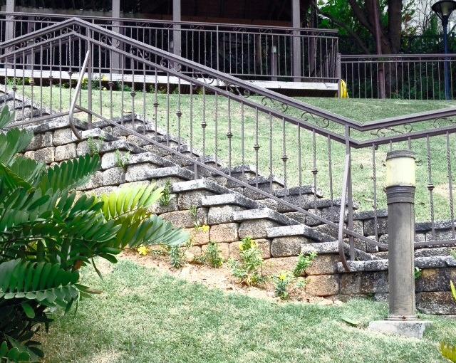 Pasamano escalera patio
