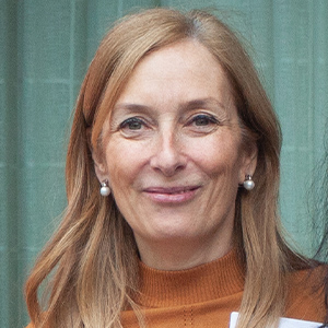 Anna Schlegel   Senior Director,  NetApp. Co-Founder, Women In Localizatio n