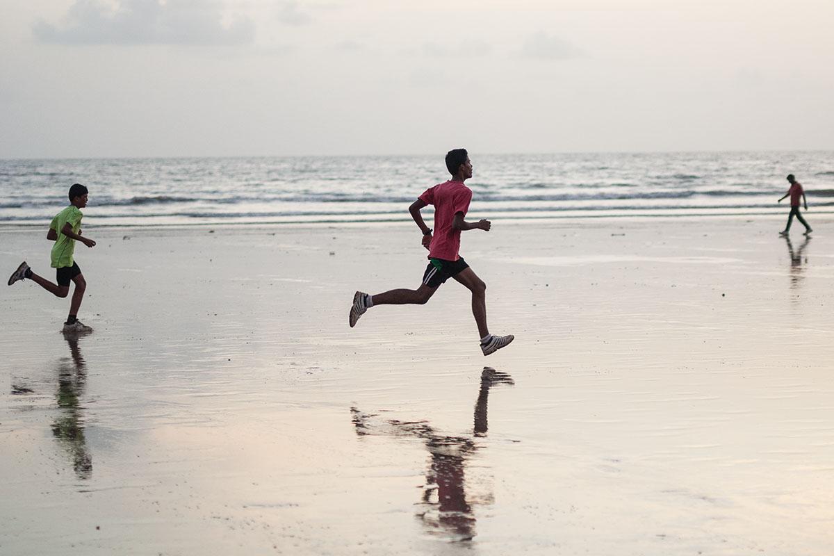 Runners, Juhu beach.