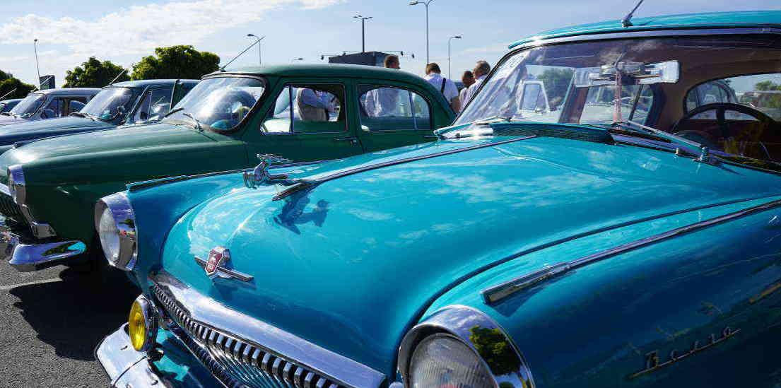 retro cars Riga.JPG