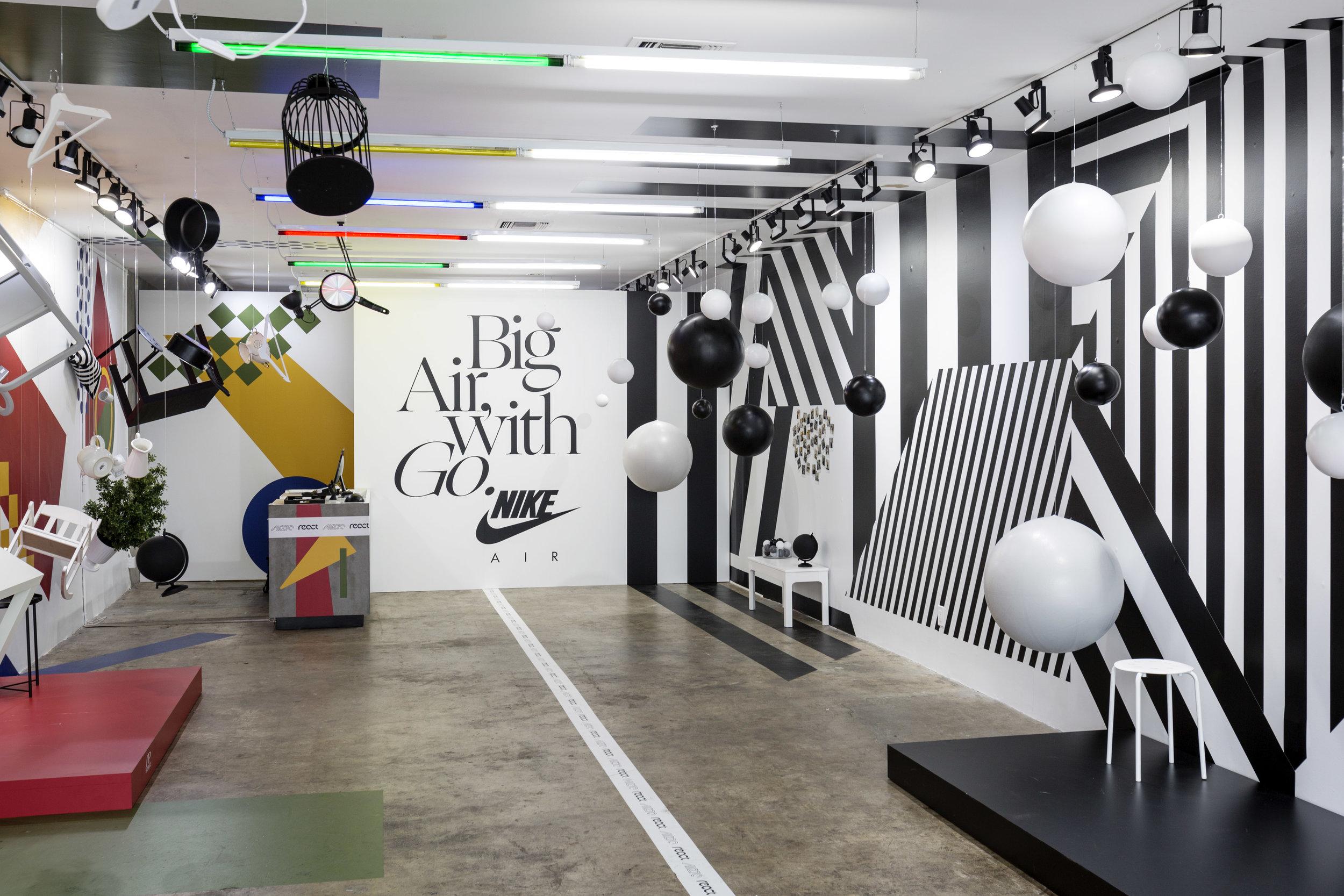 Nike Air Max 270 React \\ Shoe Palace    Los Angeles, CA 2019