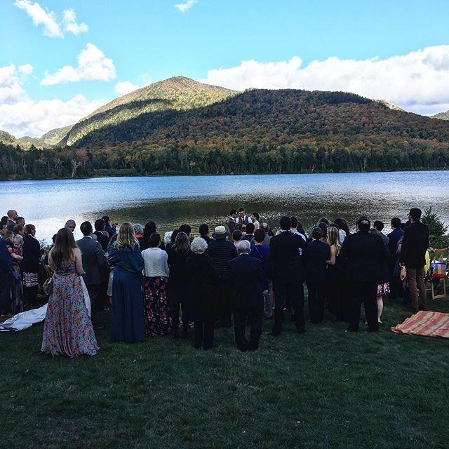 Crisp Fall 🍂wedding on Round Lake In Lake Placid. 👌🏻 . . . . . #lakeplacid #weddings #weddingcoordinator #magical #cold #fall #crisp #autumn #fallfoliage #love #family #friends #lakeside #perfection #mountains #intimate #weddingdays #memories #junipereventsanddesign