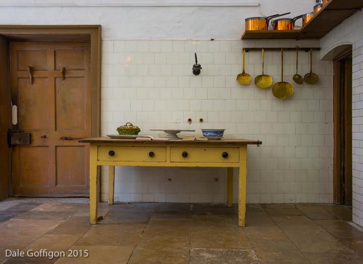 Mustard Table