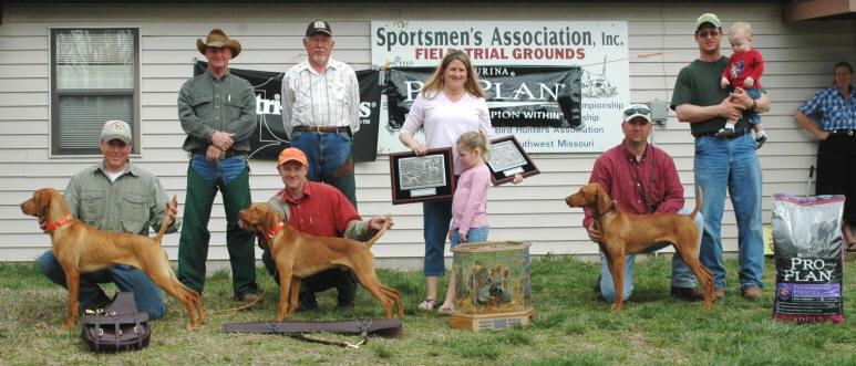 Derby Winners: Handler Mike Lundy with Touchdown Kid, Scout Steve Whitney with Staying Alive, Scout Bryan Long with Foofur. Standing: Judge Fred Smith, Judge Conrad Plevnic, Darlene and Lauren Lundy, and Handler Dustin Ochs with Kager Ochs.