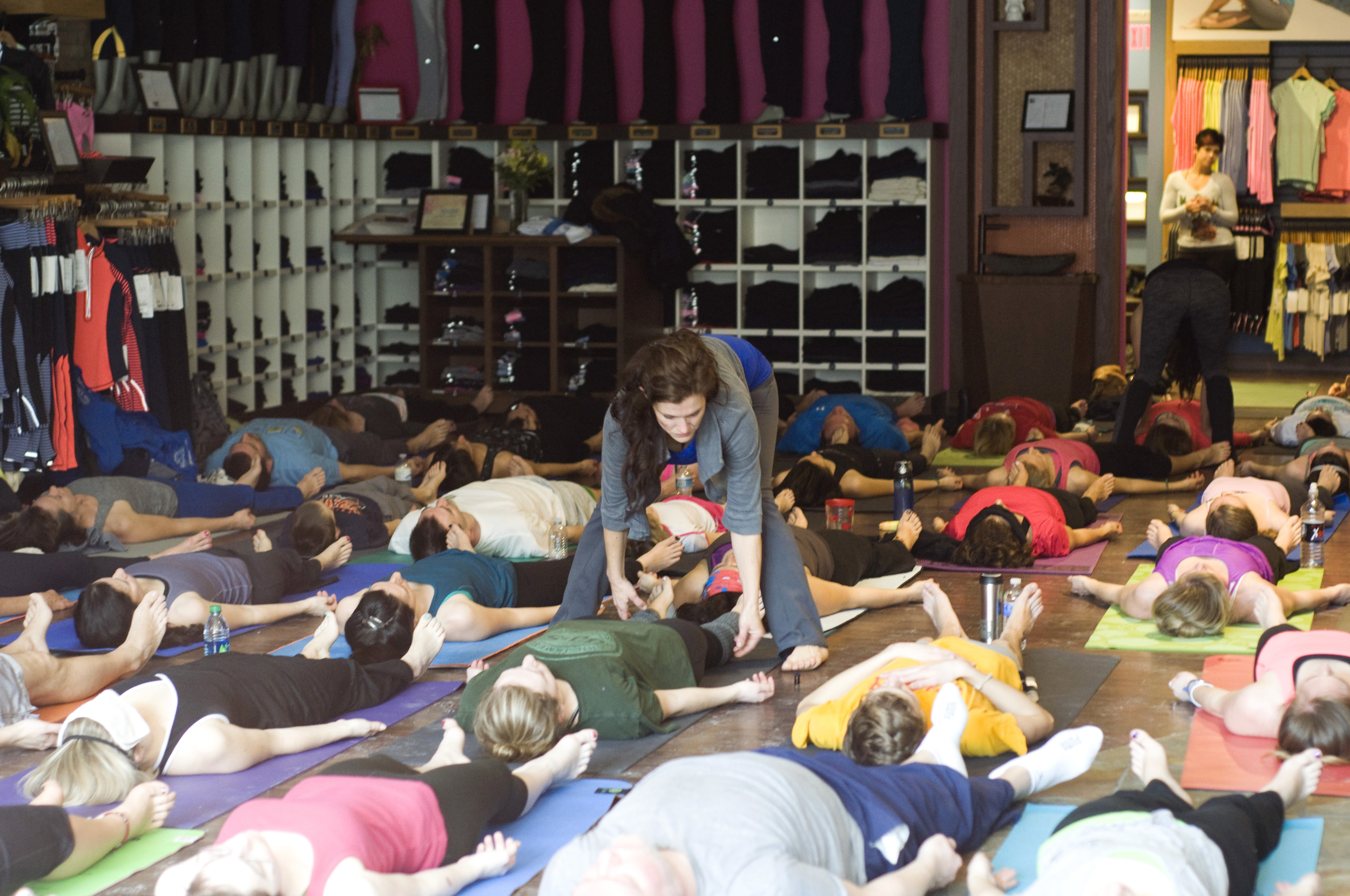 Essencia Yoga corpertate classes