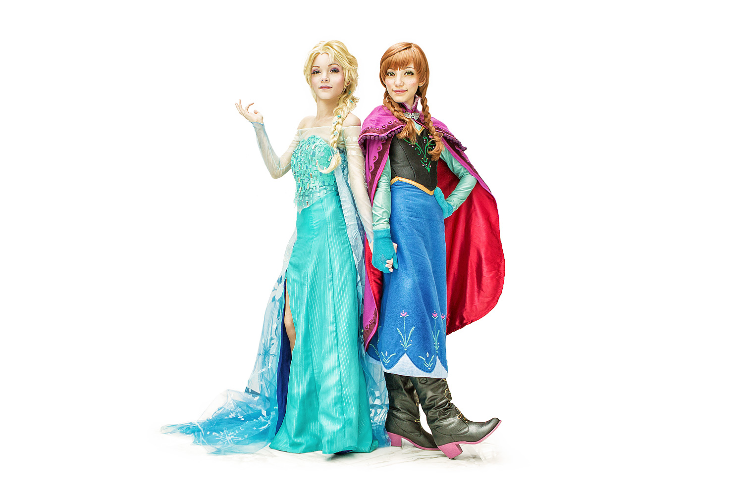 Yuurisans Cosplay as Elsa and Anna of Disney's Frozen