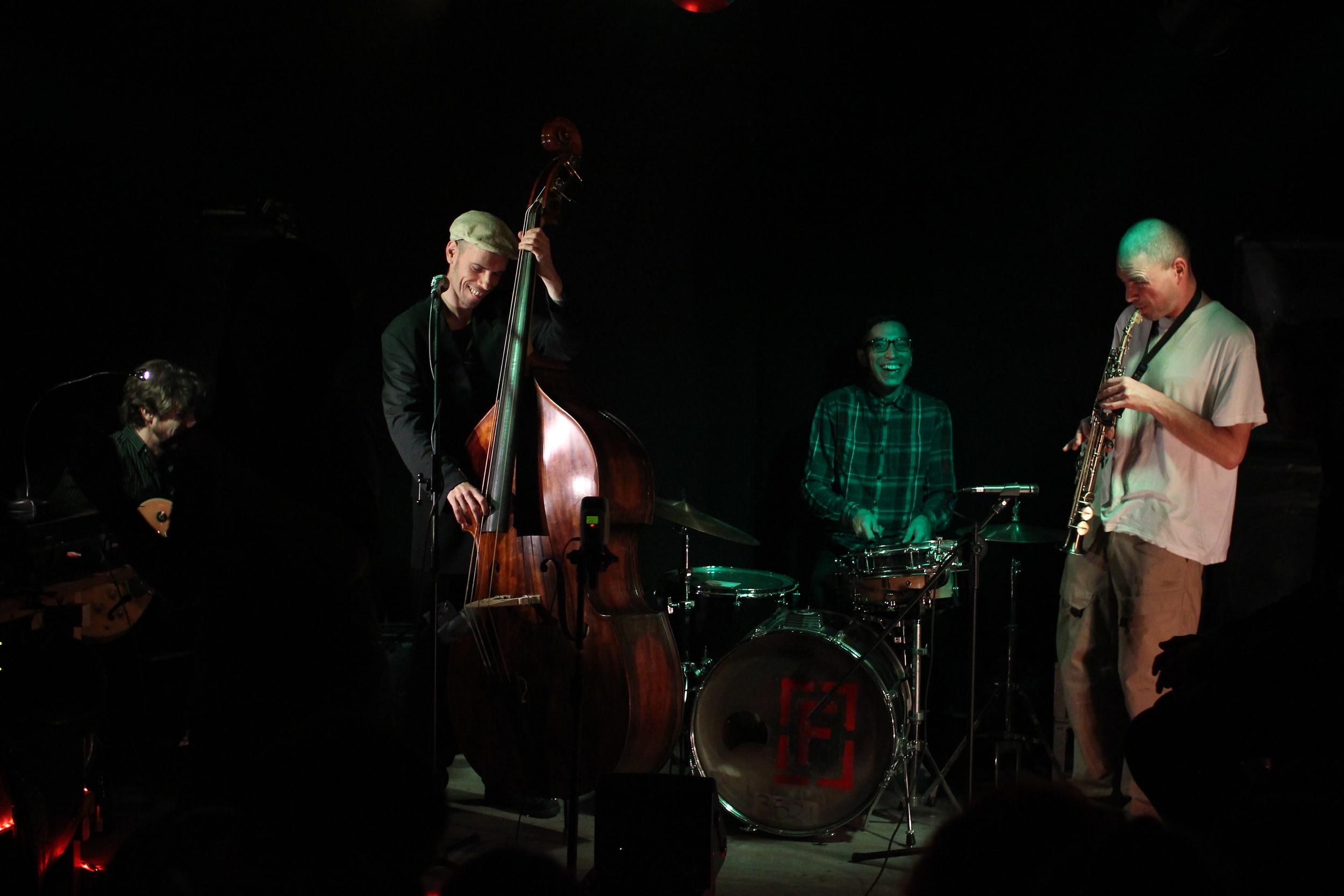 (traditional jazz, swing)