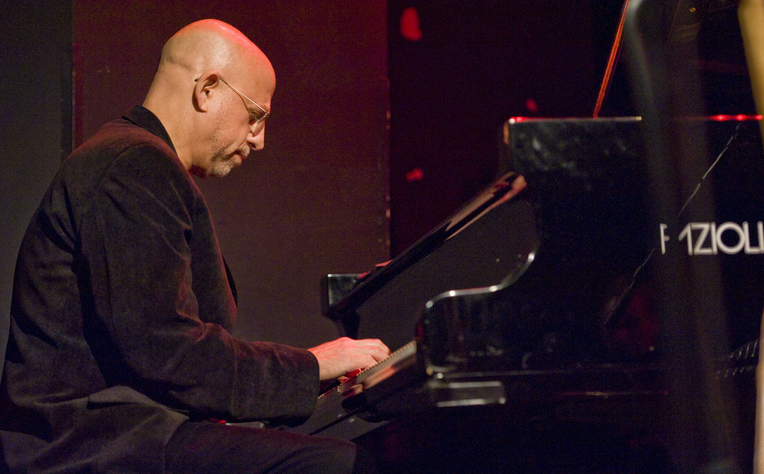 larry_porter_piano.jpg