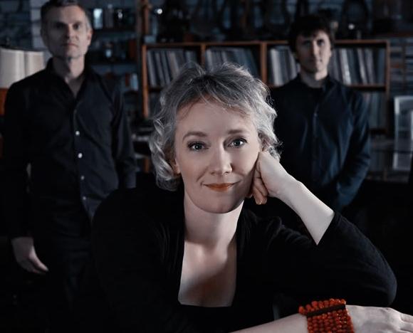 julia-huelsmann-trio-2.jpg