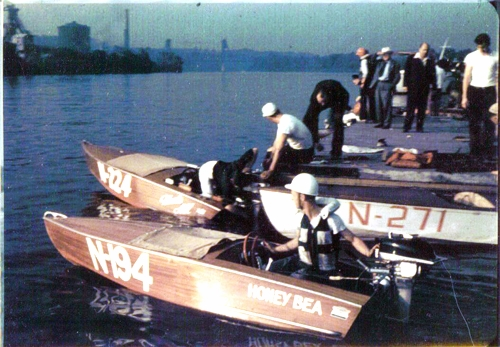 Stock boat racing on the Hudson River. (Photo courtesy of the Wooden Boat Association)