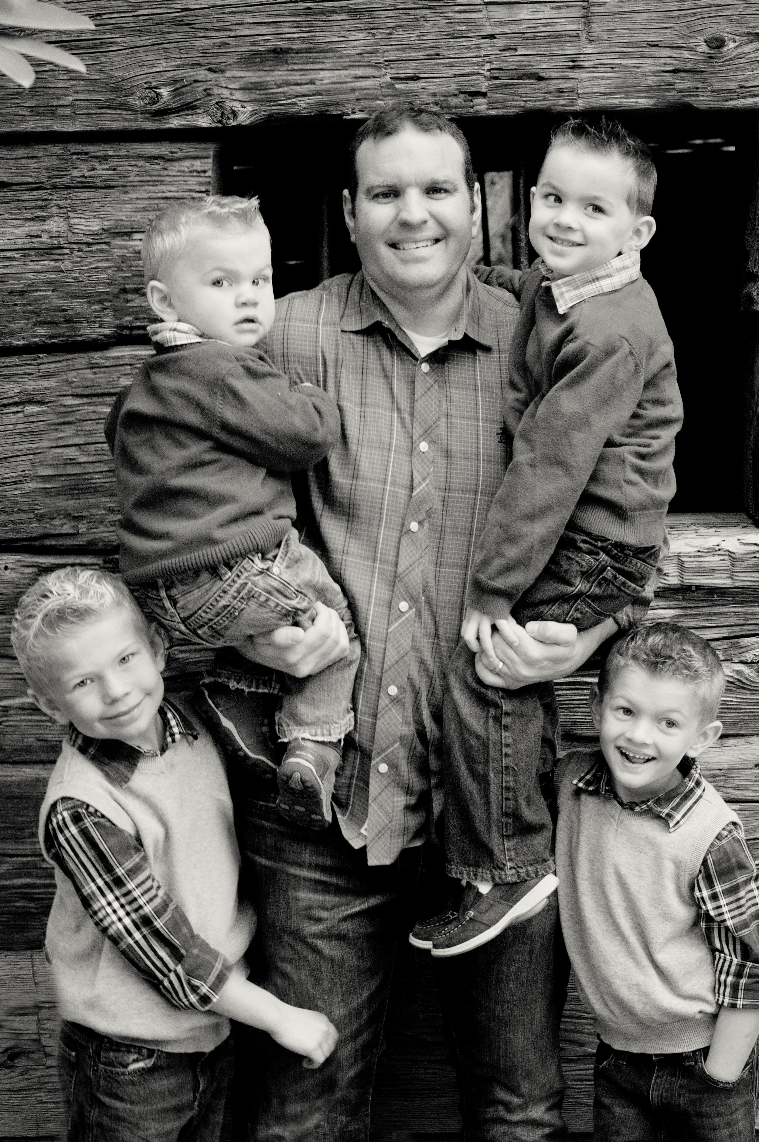 Anderson Family-Bret and boys platinum.jpg
