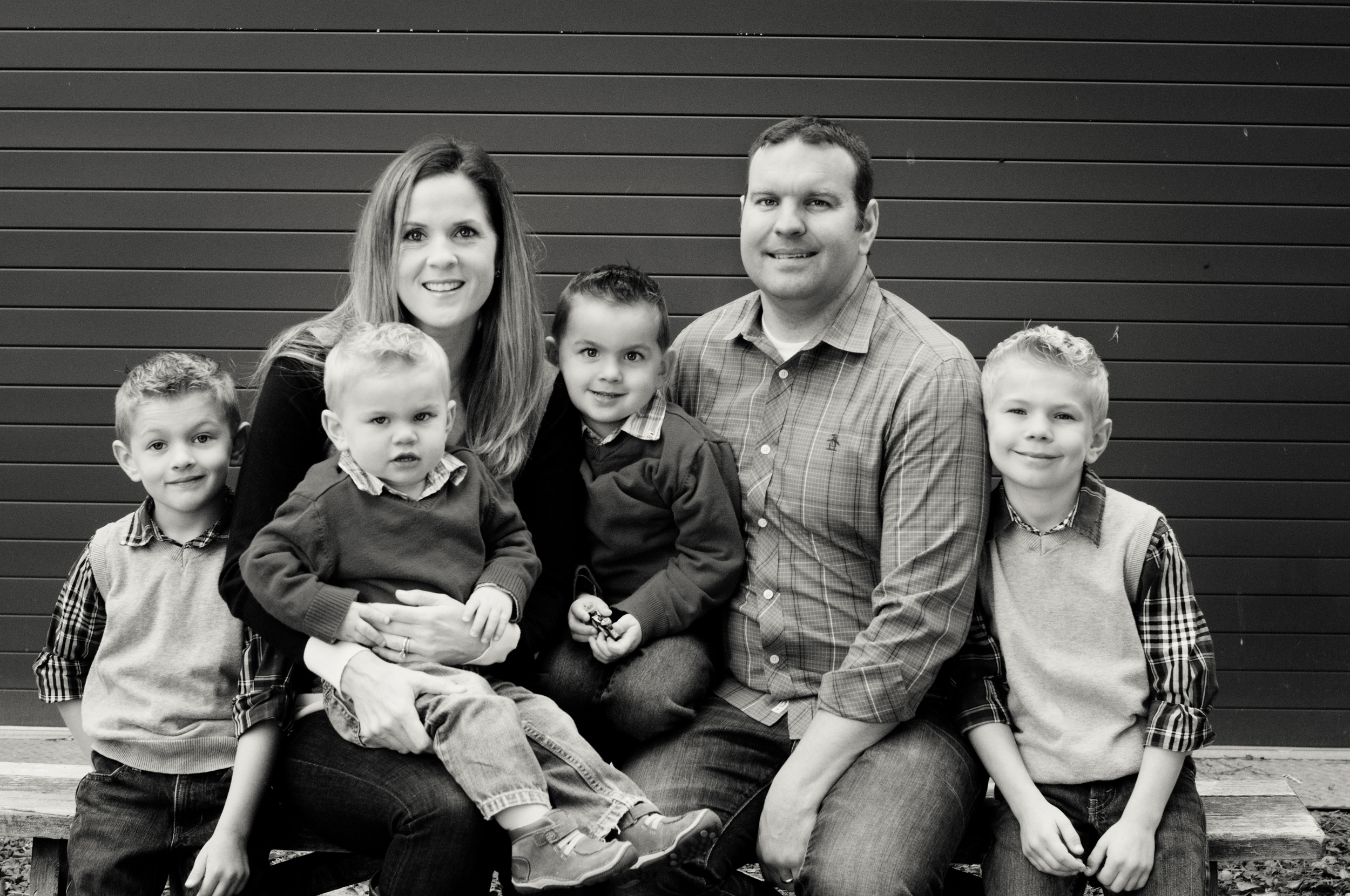 Anderson Family-Family on bench platinum.jpg