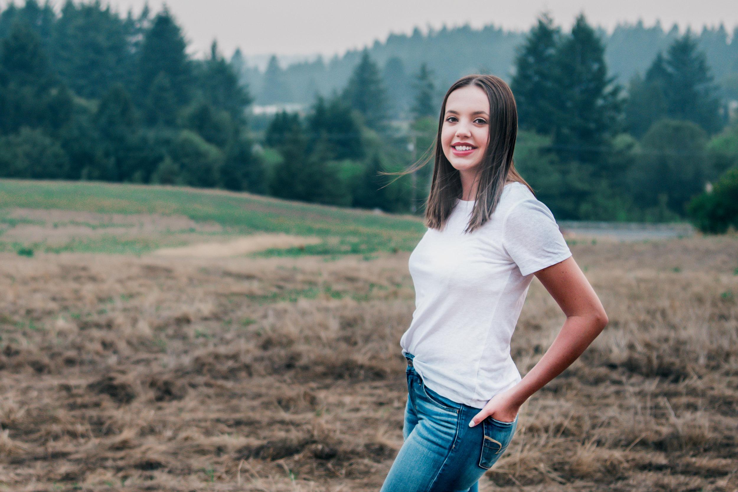 Best Senior Photographer in Portland Oregon