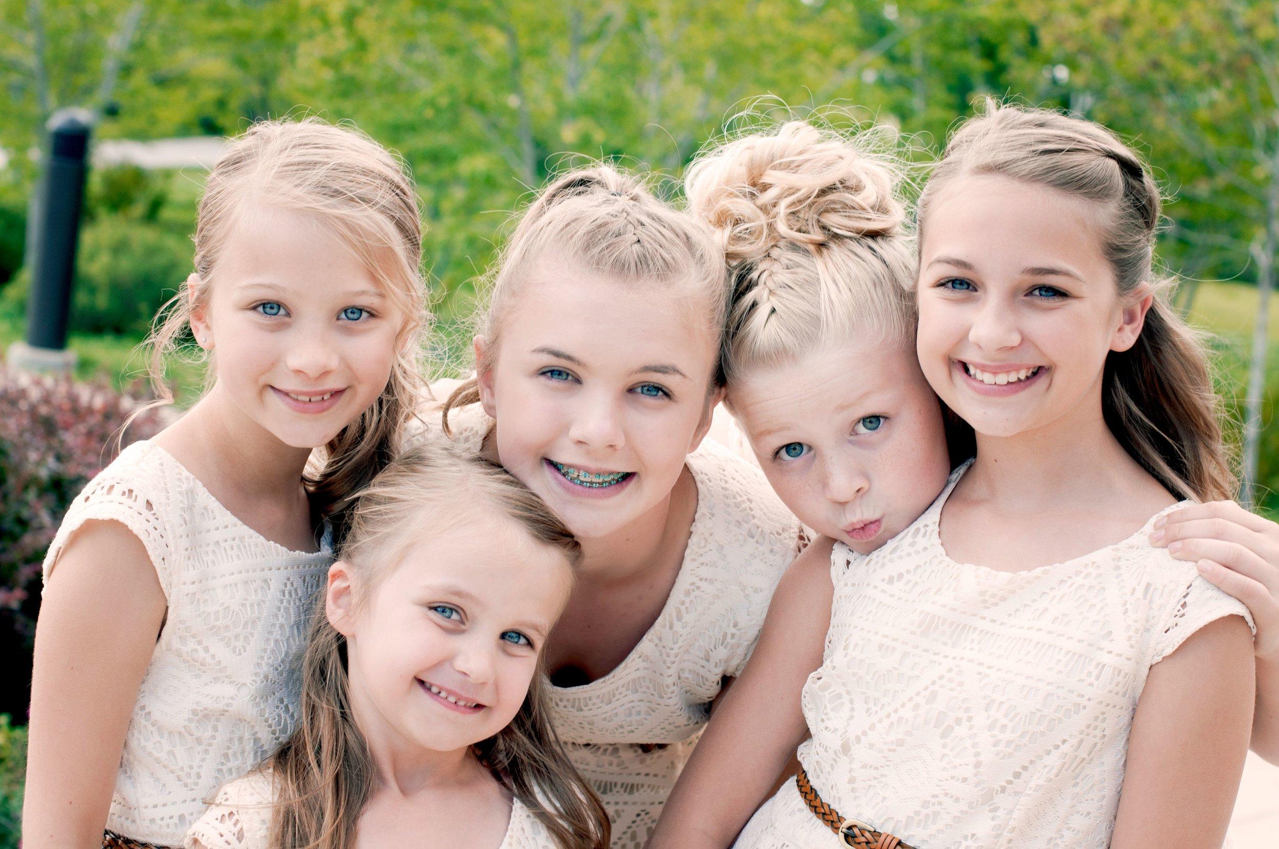 Utah Wedding-girls at temple-compressed.jpg