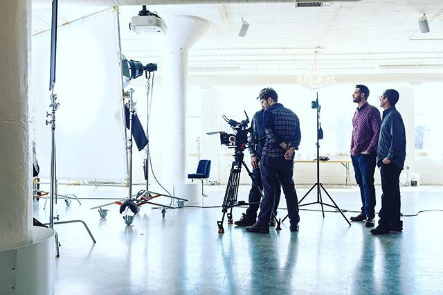 Doin' work! • • • • • #setlife #filmcrew #bts #filmmaking #chicagofilm #cameradept #griplife #filming #videomaker #production #productioncompany #dp #director #cinematographer #shoot2kill #🎬 #skillstopaythebills #action #shotsfired #c300mkii #directorofphotography #gripdept #sounddept #cinematographylife 📸: @natecolemanfilm