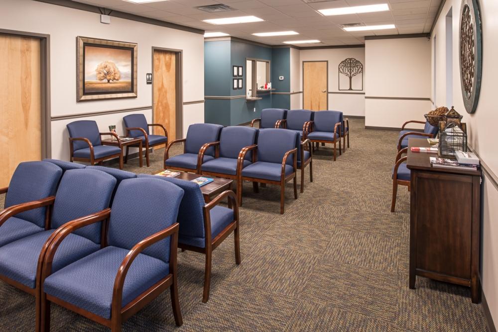 medsouth-urgent-care-waiting-room_1000_668.jpg