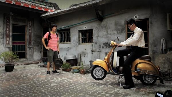 4_01-wideofbike.jpg