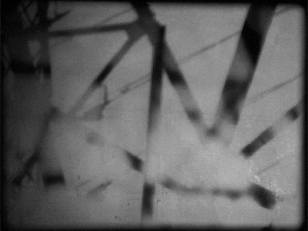 THE ELECTRIC EMBRACE - 2011 - 16mm, 2 minAn electric current of positive and negative.