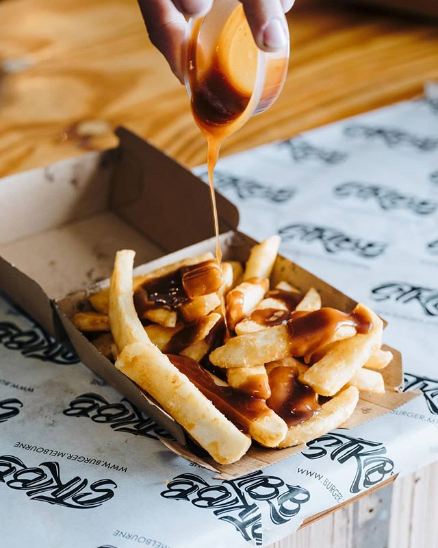 In the mood for the ultimate comfort food? Try our delicious chips smothered in our house made gravy!🤤