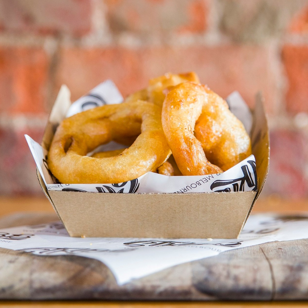 crunchy onion rings - house ketchup$6