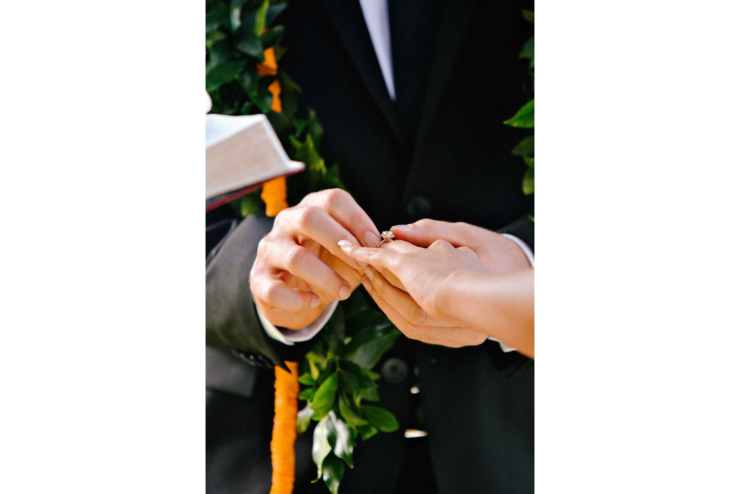 Hawaii Wedding Photography Ring Exchange