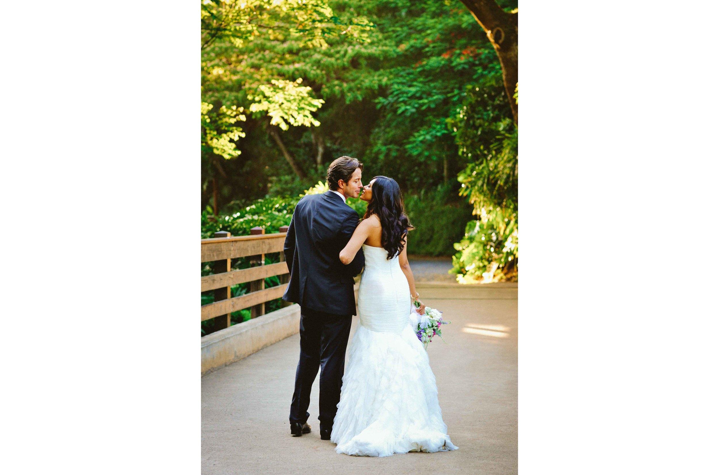 Bride and Groom Waimea Valley