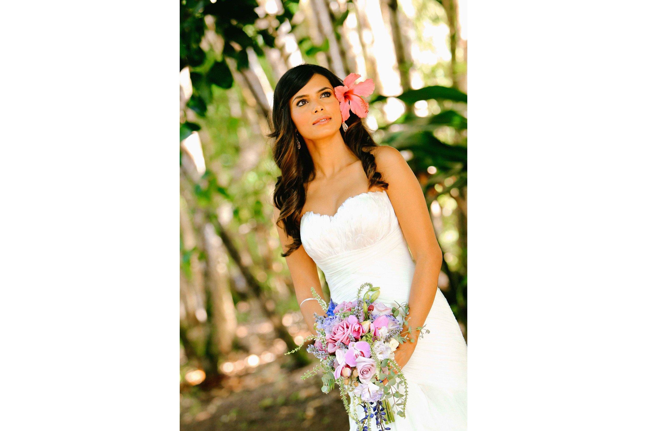 Oahu Wedding Photography Garden Bride