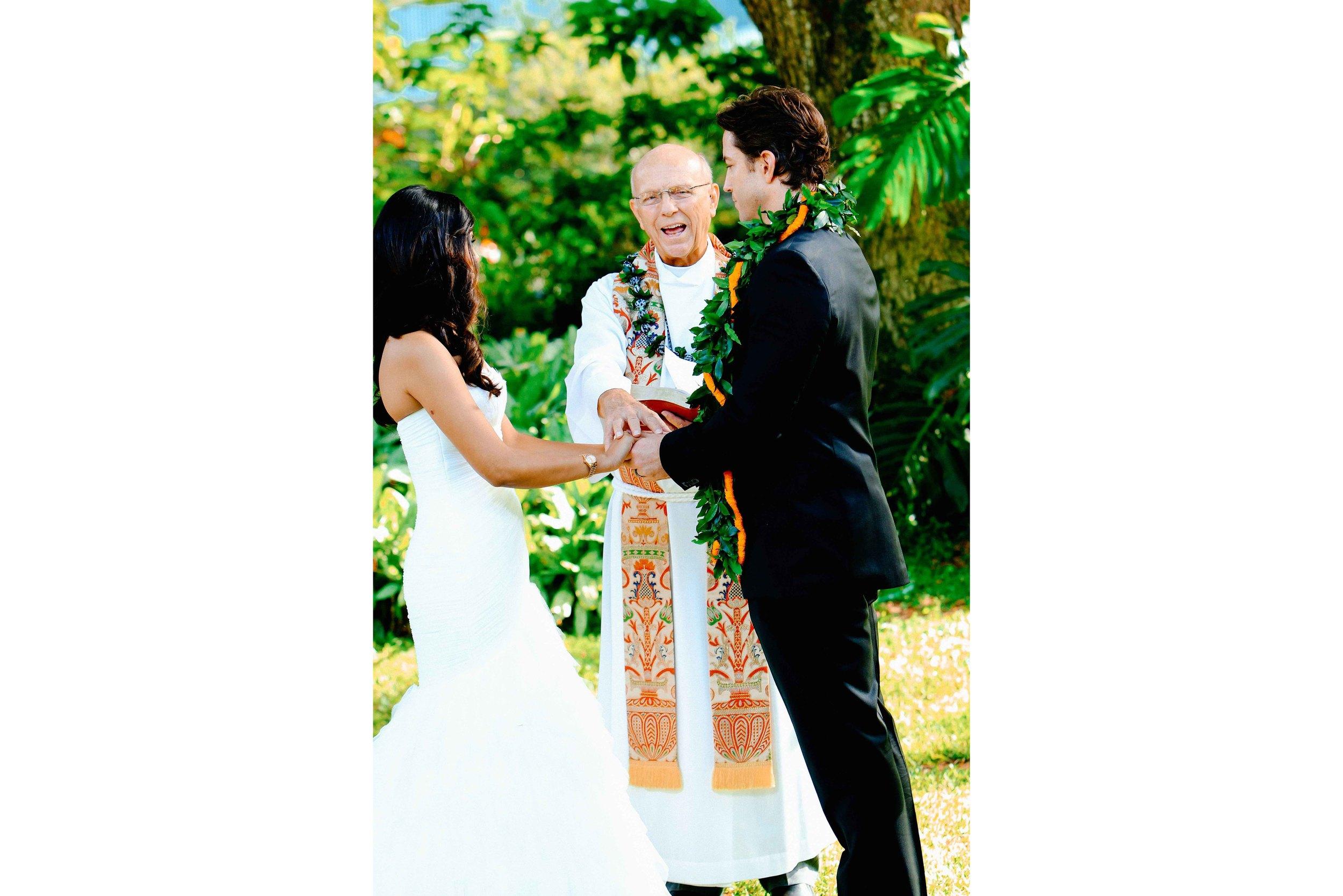 Oahu Wedding Photography Waimea Valley Ceremony