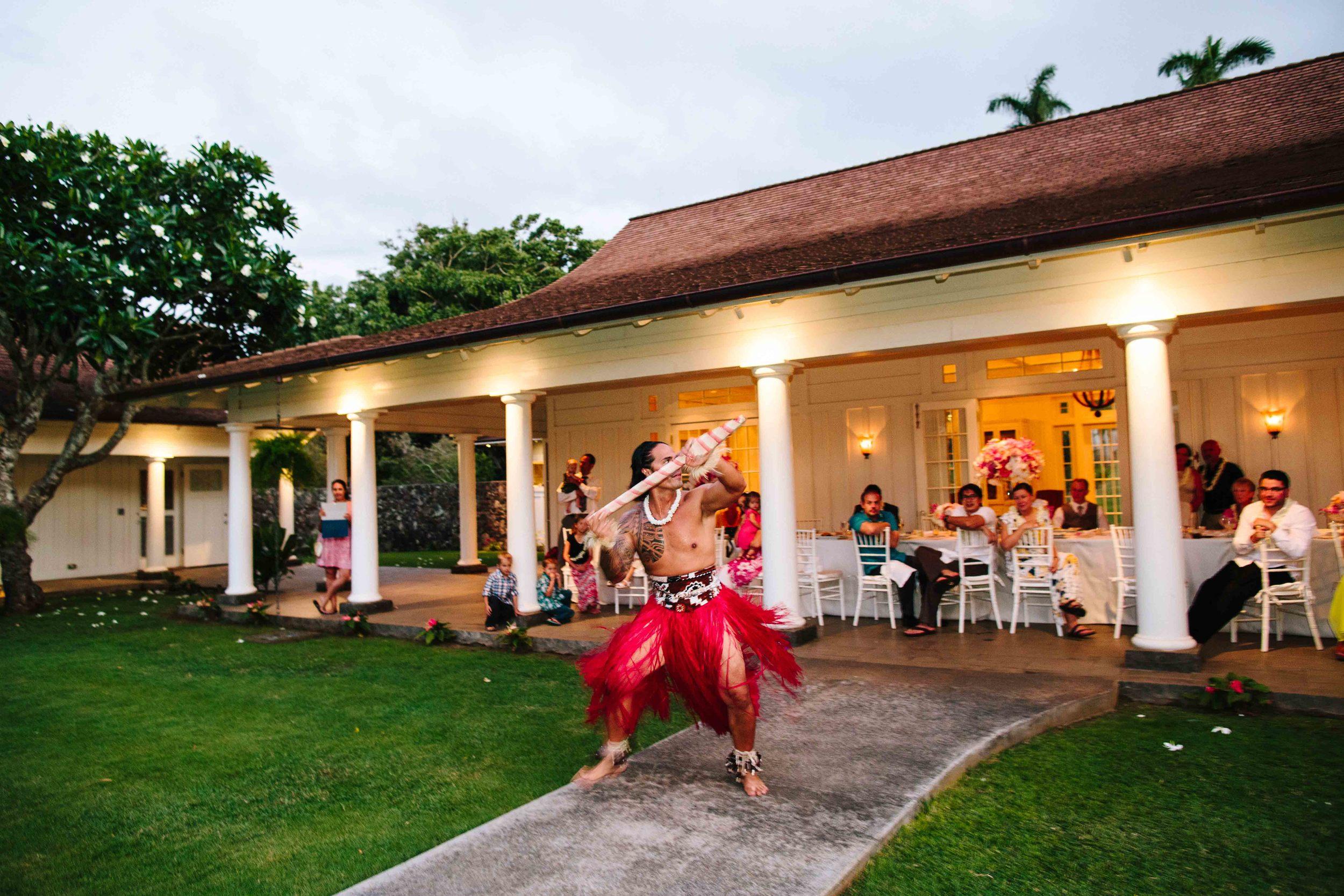Hawaiian Performer at Dillingham Ranch Wedding Reception
