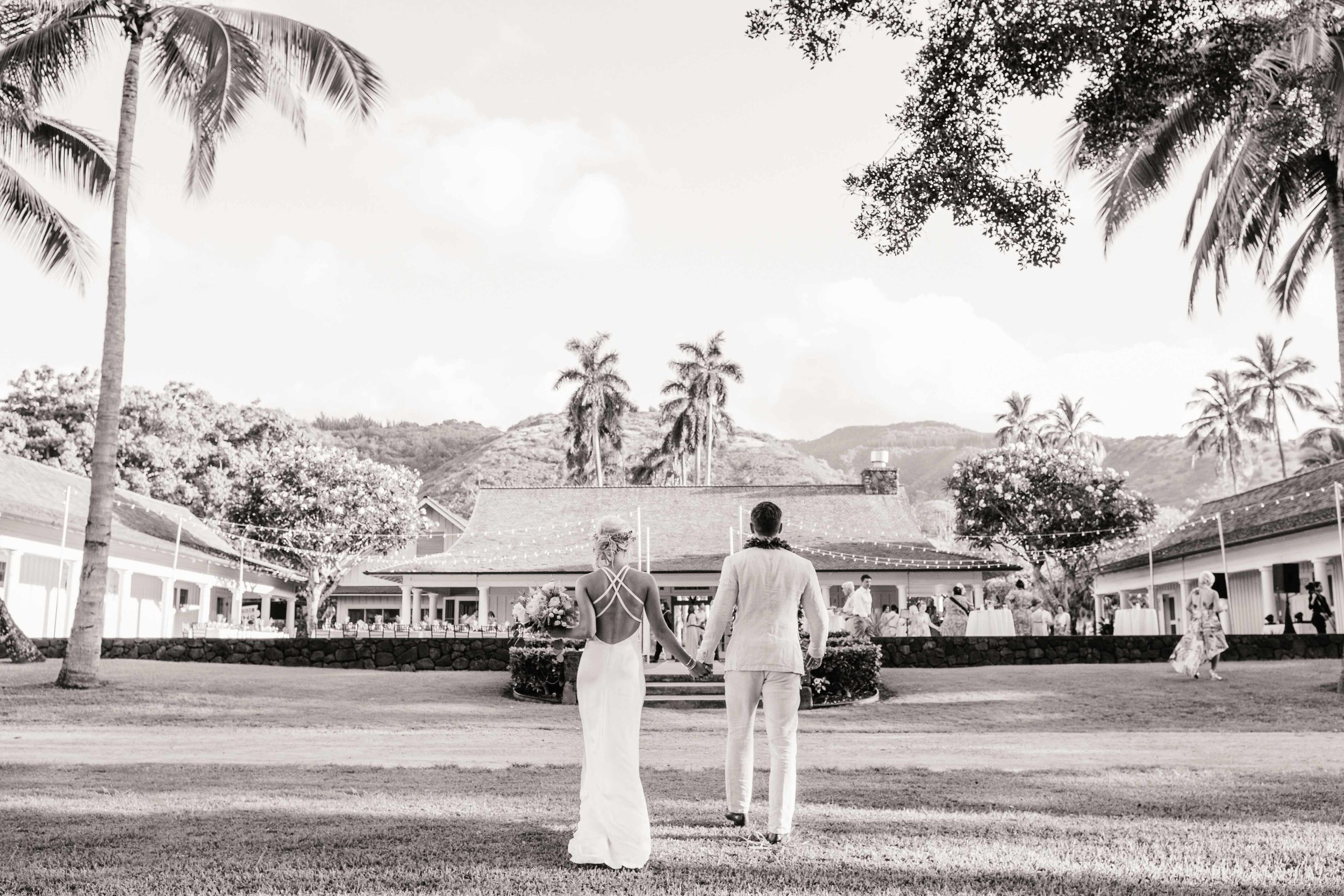 Vintage Wedding couple In Hawaii