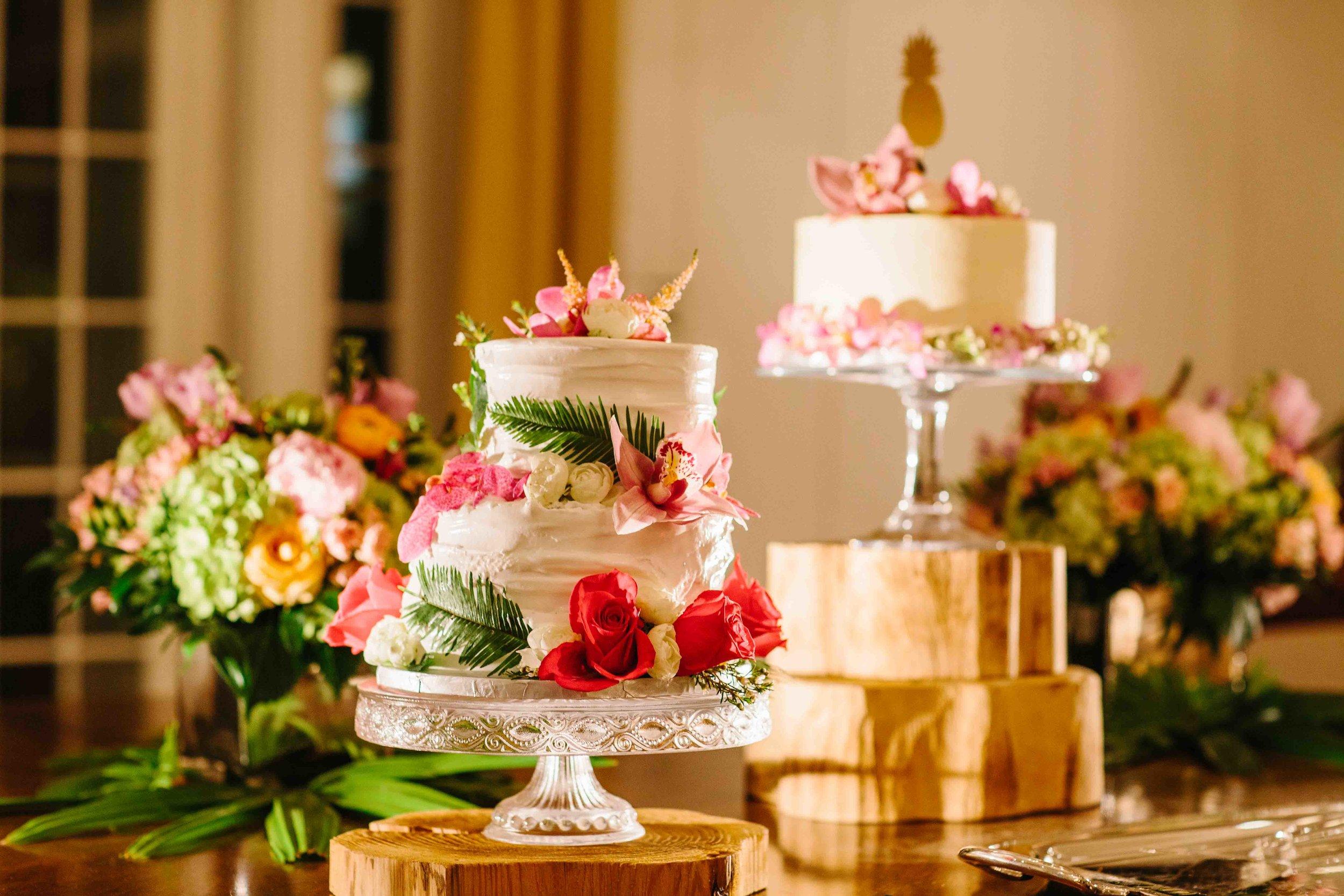Delicious Fancy Wedding Cakes