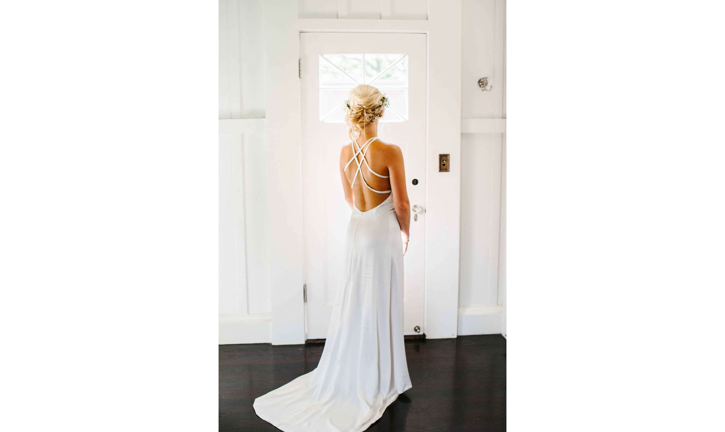 Beauty Bridal dress Oahu Wedding Photographer