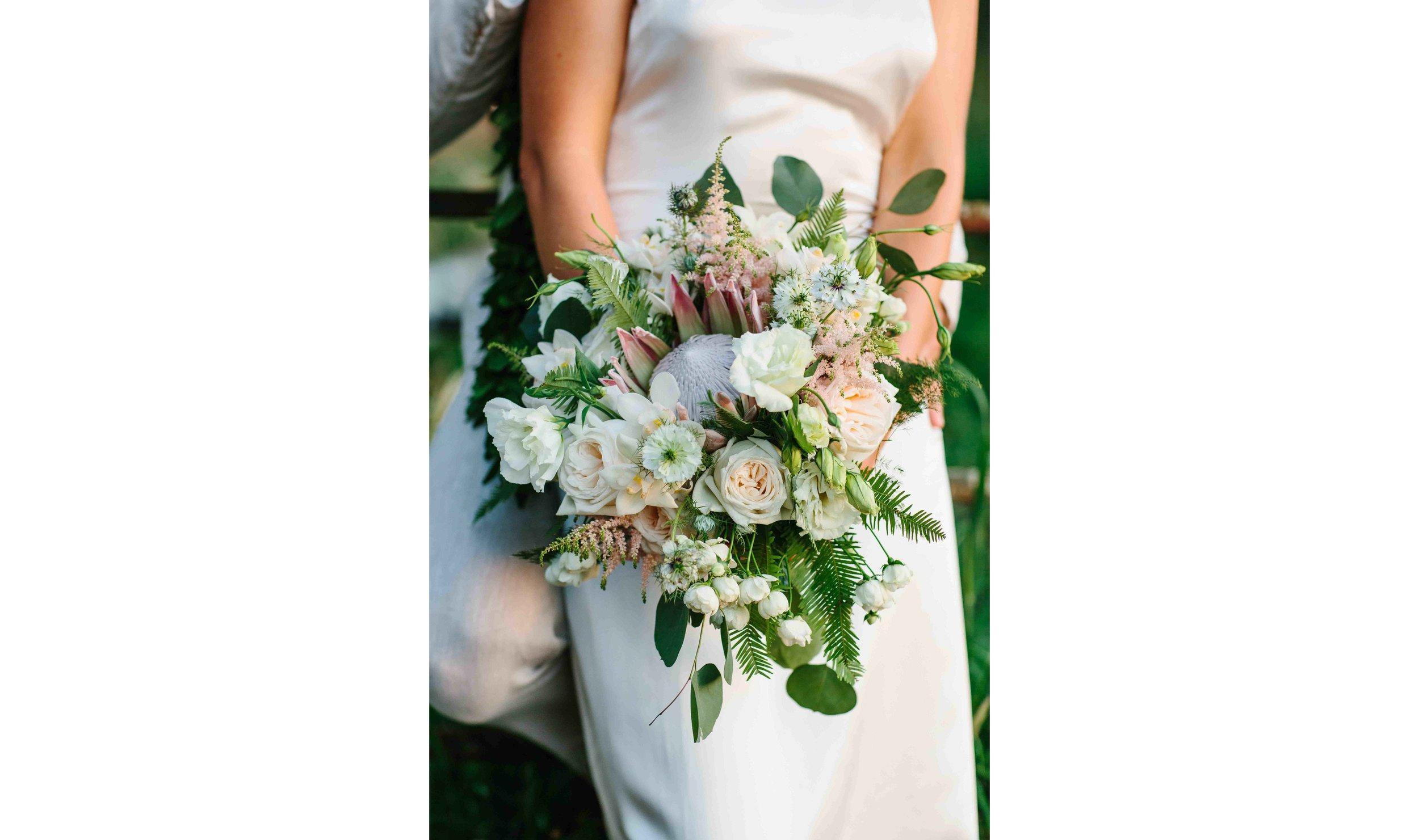 Simple and Elegant Flower Bouquet