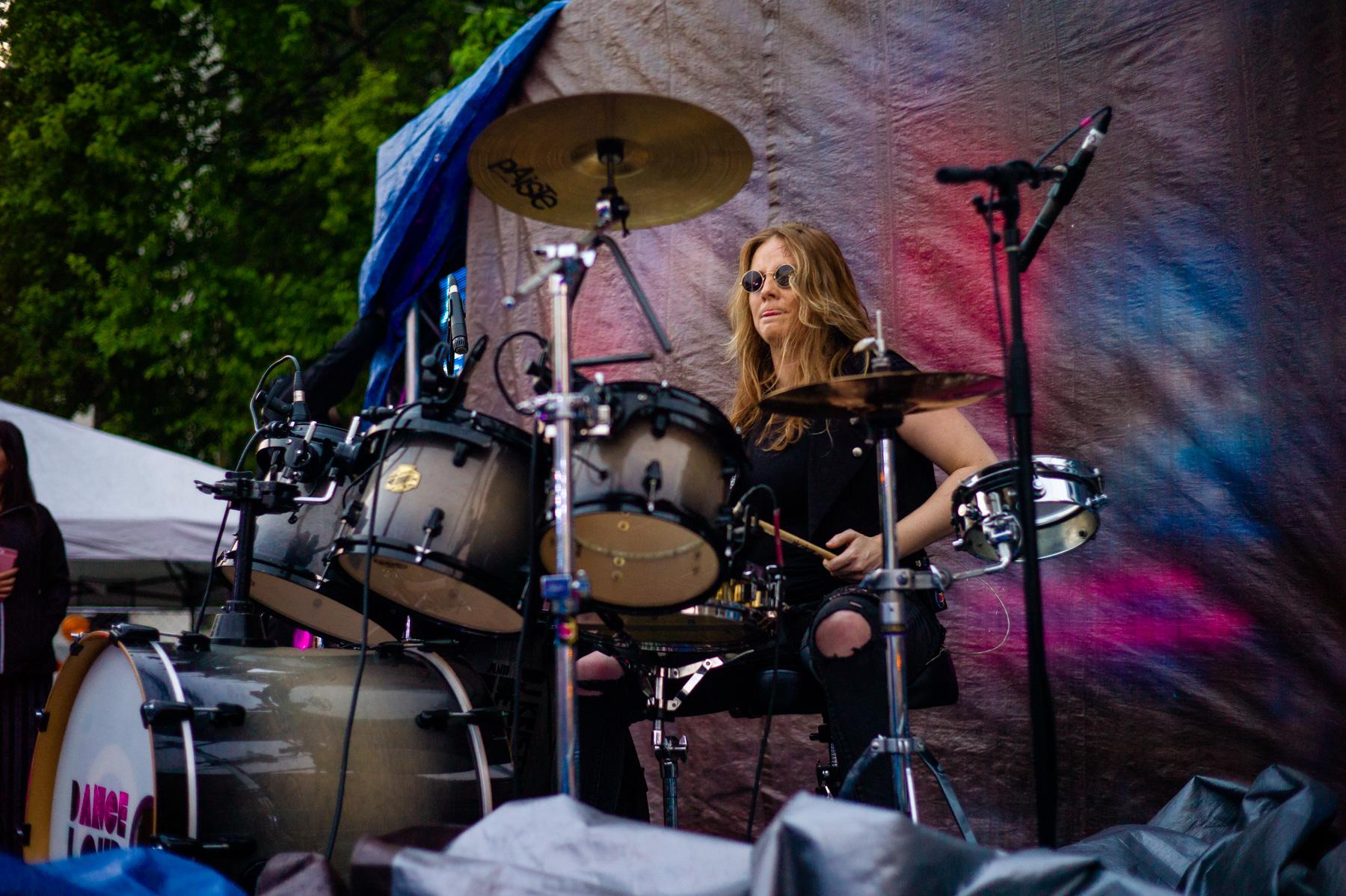 Badass girl drummer solo onstage