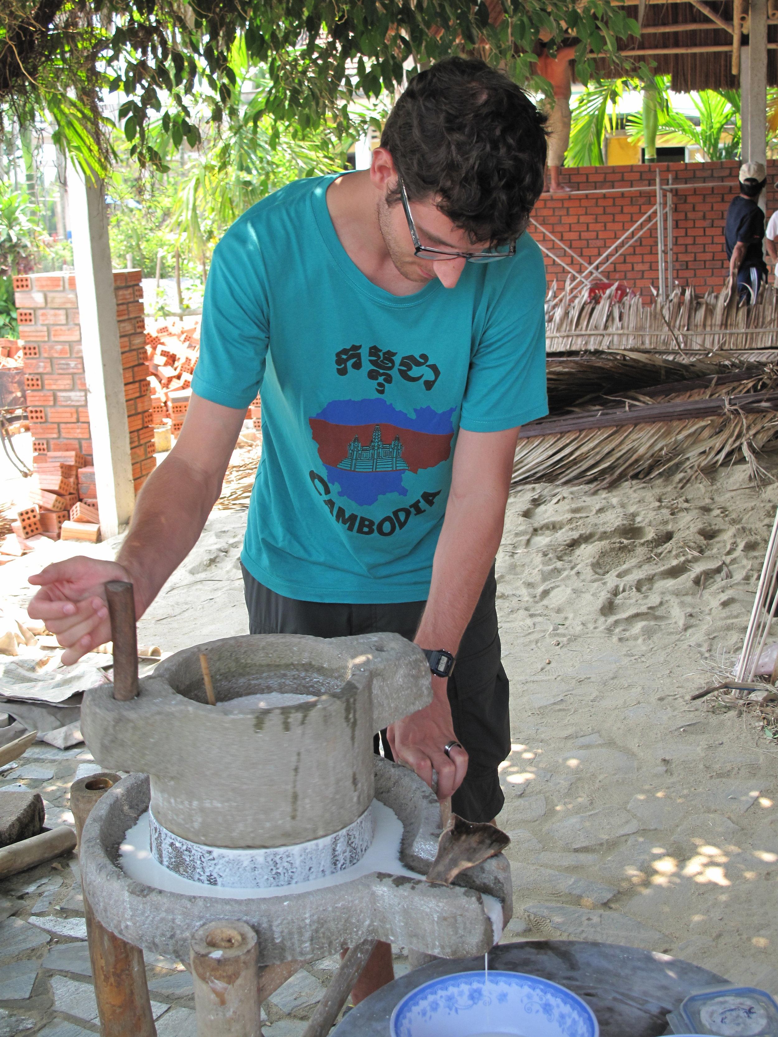 Making rice milk, Hoi An