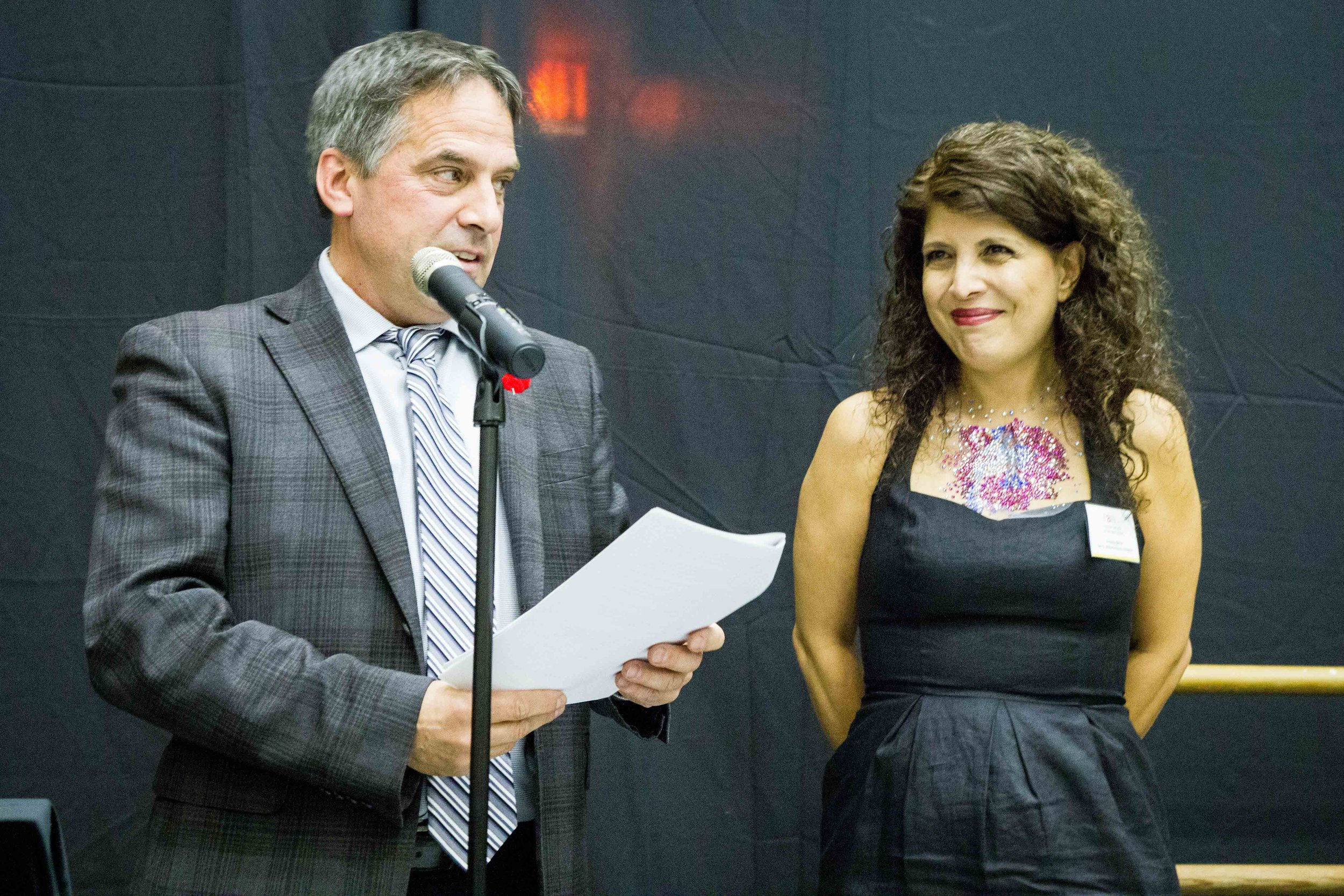 Arezou Beick  receives the Don S. Williams grant from City of North Vancouver Mayor Darrell Mussatto.