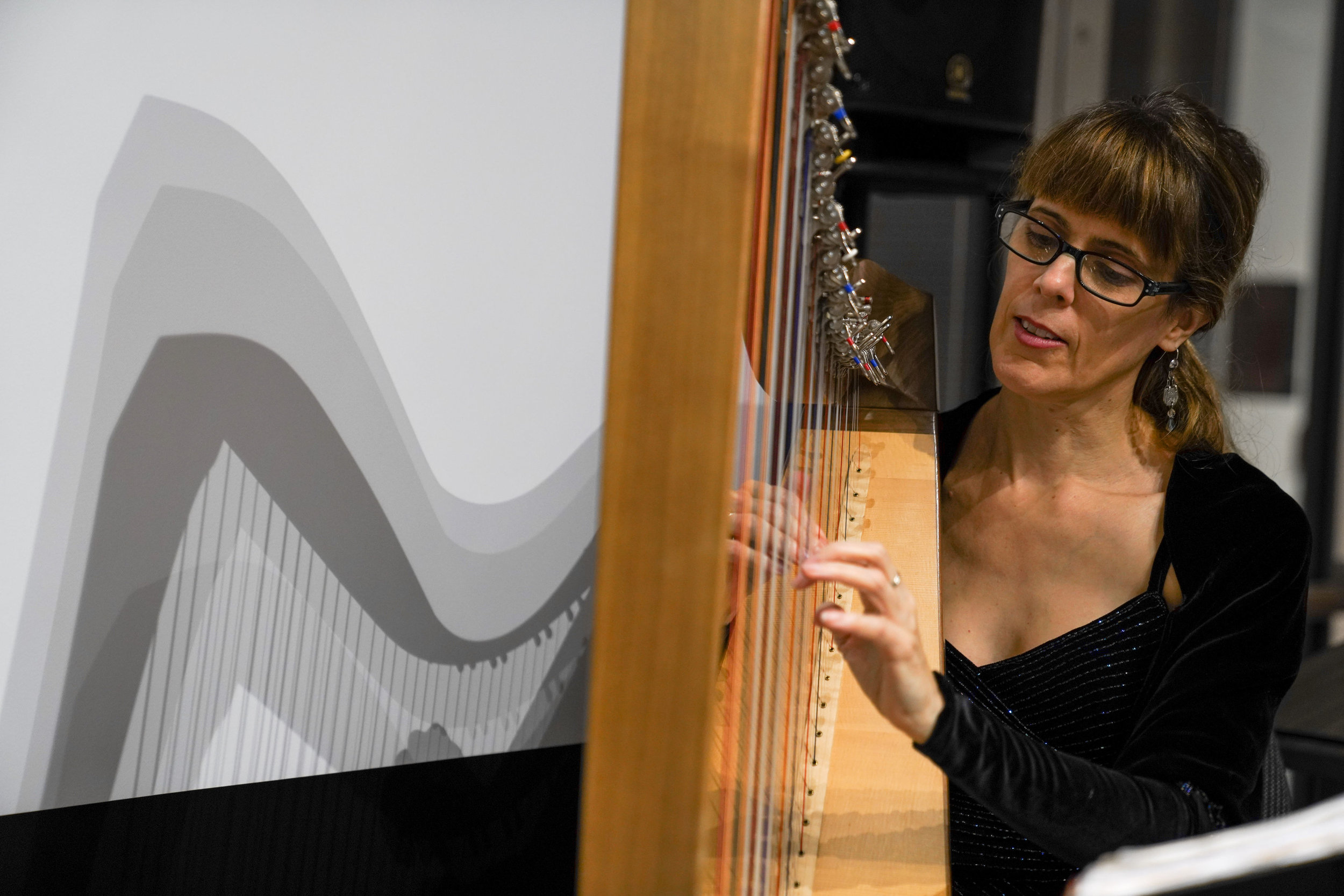 Acclaimed harpist Rebecca Blair