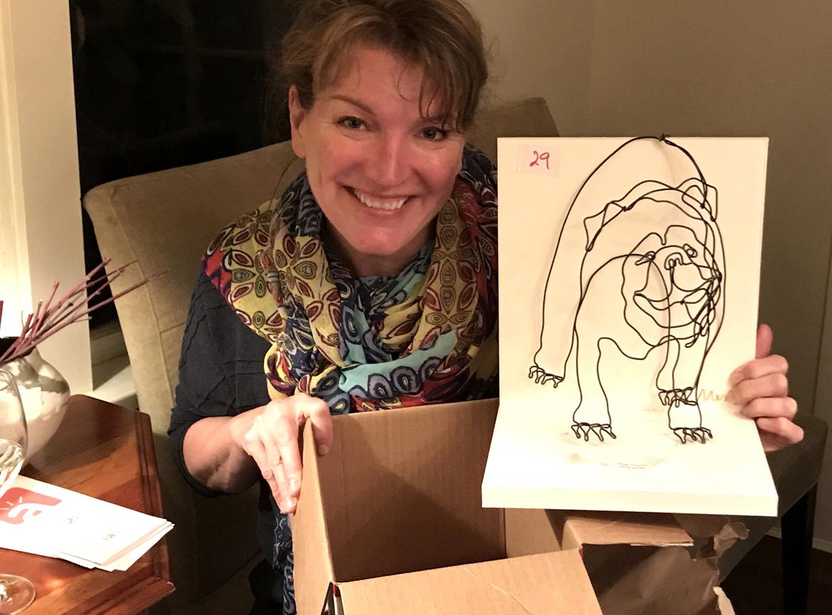 3d Bulldog Wire art by Mimi Fujino goes to an appreciative guest
