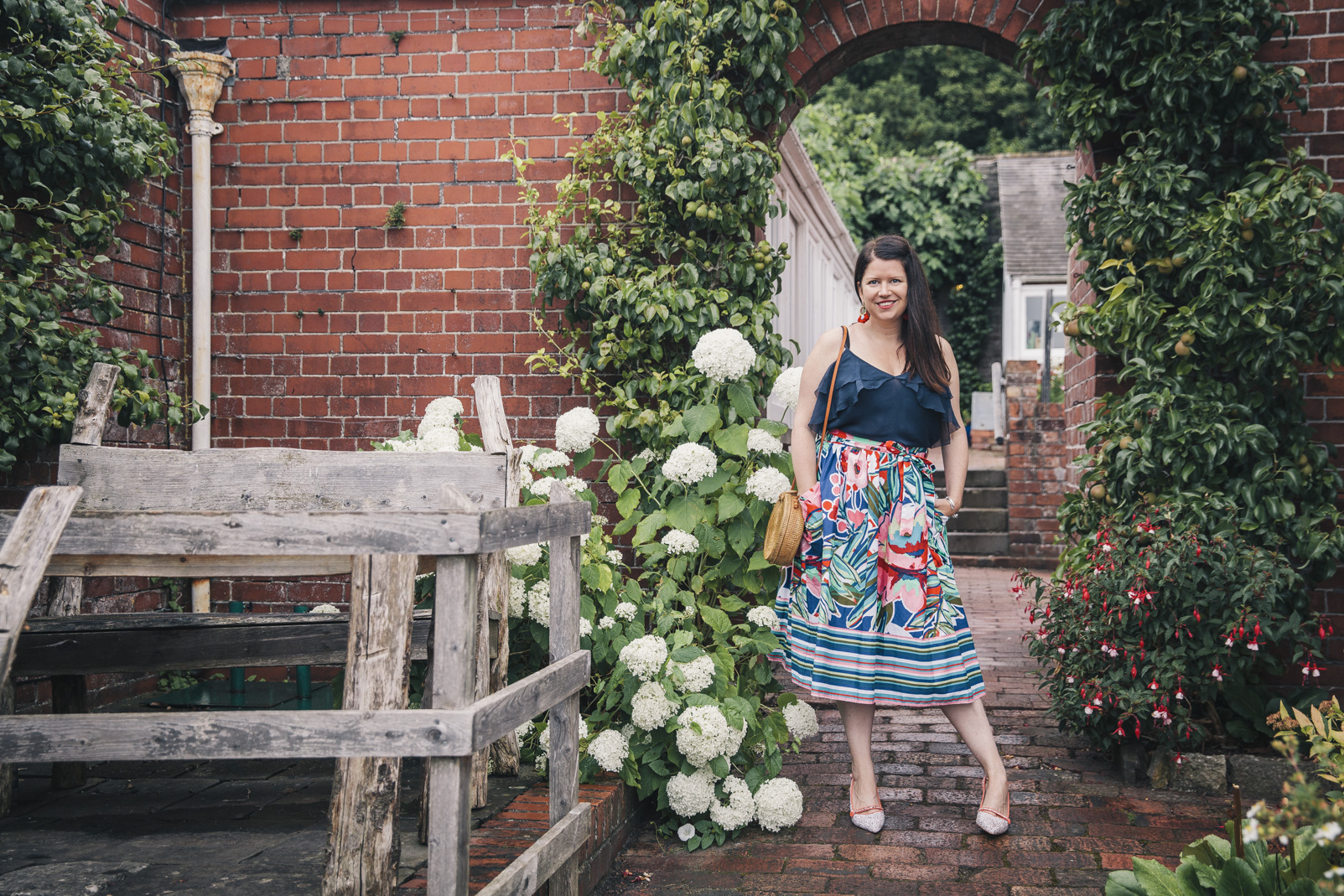 bold-floral-print-skirt